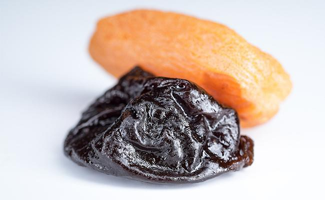 can-dogs-eat-dried-plums-or-prunes