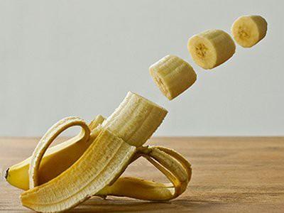dogs-eat-bananas