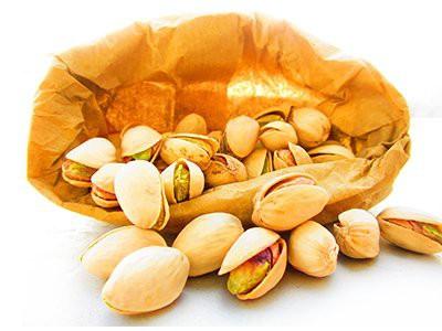 dogs-eat-pistachios